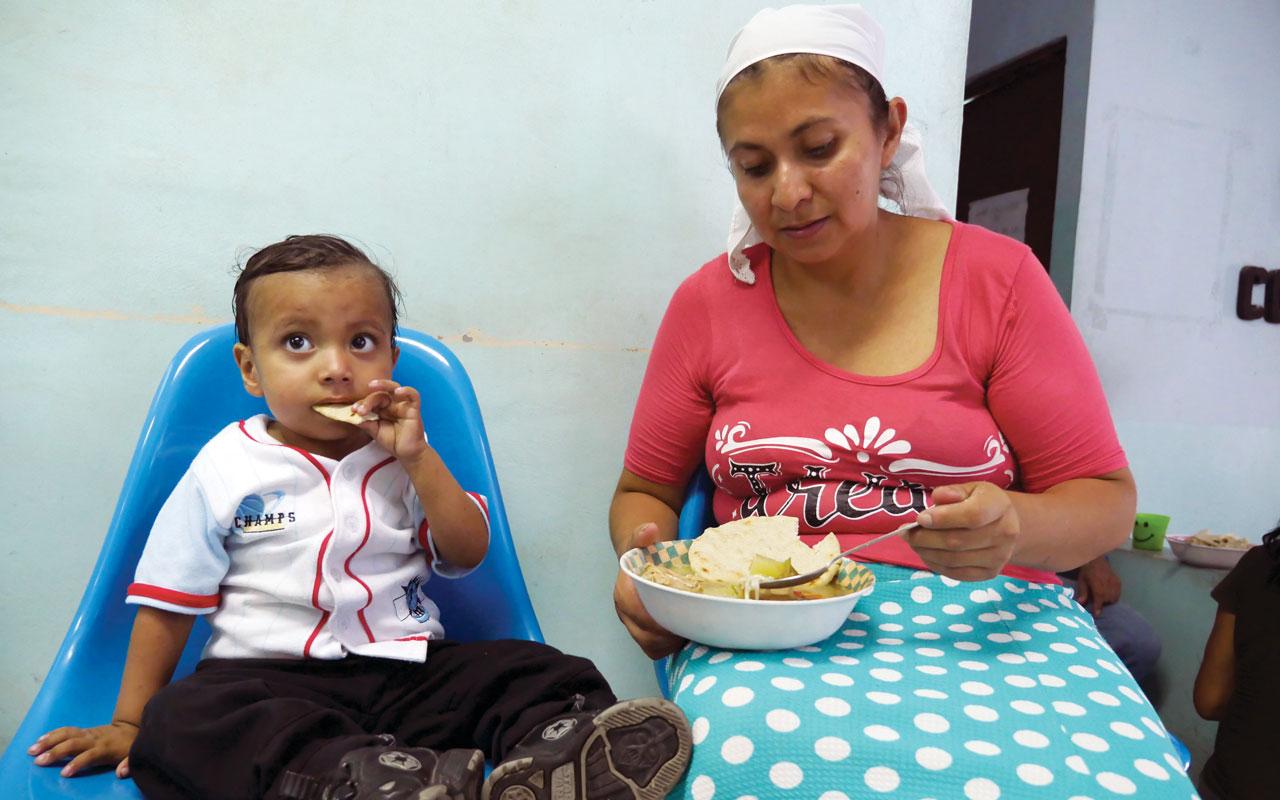 Personas con VIH/SIDA en El Salvador pueden vivir mejores vidas